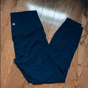 navy blue lululemon aligns